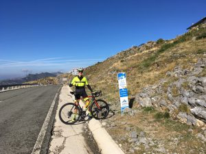 En la cima del Col de la Pierre St.Martin - Larra Larrau 2016